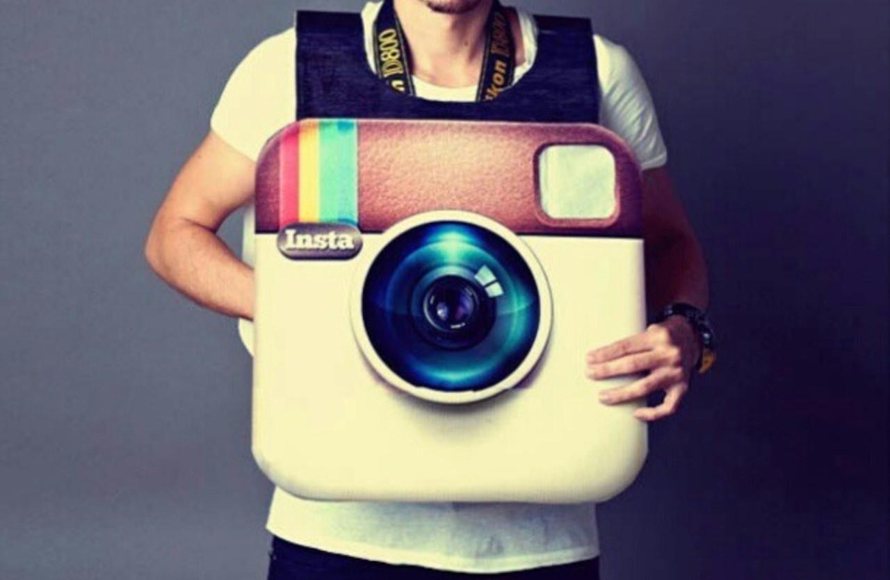 3009340-poster instagram social wall